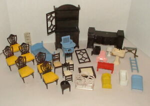 % 1950-60'S MARX MINI DOLL HOUSE FURNITURE PARTS AND PIECES COLLECTION
