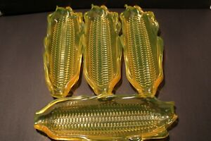 VTG. Corn On The Cob Holder Dishes Four(4) Trays Plastic Use For All Occasions 1
