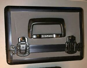 Mac Cosmetics Makeup Train Case Limited Edition wKey & Strap
