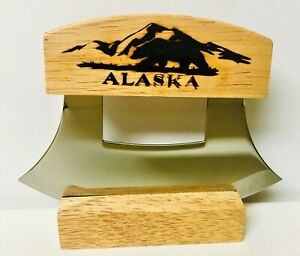 ALASKAN ULU KNIFE STAINLESS STEEL BLADE WITH ETCHED BEAR ON THE HANDLE