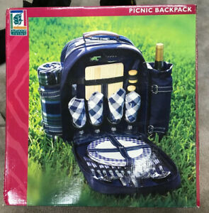 Picnic Backpack Outdoor Living 32 Pieces Insulated Hiking Camping 4 Person New