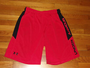 UNDER ARMOUR RED BLACK ATHLETIC SHORTS MENS LARGE EXCELLENT CONDITION $5.50