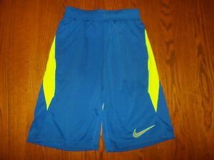 NIKE DRI FIT BLUE ATHLETIC BASKETBALL SHORTS BOYS LARGE EXCELLENT CONDITION $1.04