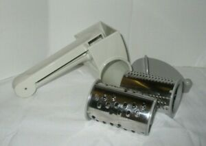 Pampered Chef Deluxe Cheese Grater W/2 Graters #1275