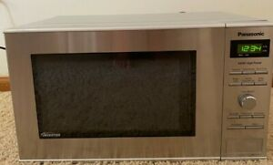 Panasonic Microwave Oven NN-SD372S Stainless Steel Countertop/Built-In with Inve