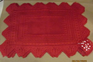 ✅ Red Holiday Lace Placemats set of 8 NEW