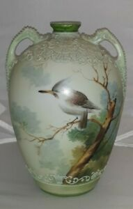 NIPPON FINE MORIAGE HAND PAINTED TWO HANDLED VASE PYGMY WOODPECKER GREEN MAPLE