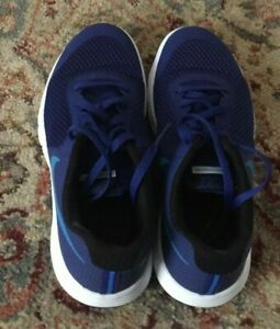 NWOB NIKE Youth Sneakers Size 4Y $24.99