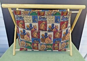 Yarn amp; Sewing Holder Friendly Feline Cat Fabric Lined on Foldable Wooden Frame $19.99