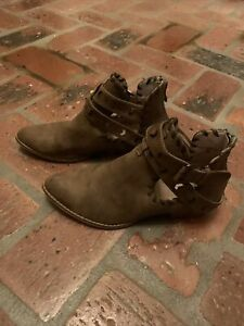 Womens Booties Size 6 AMS $16.99