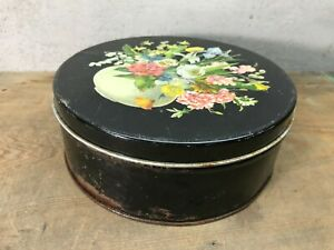 VINTAGE Sewing tin with wood handle sewing tools 9 Metal tin $15.00