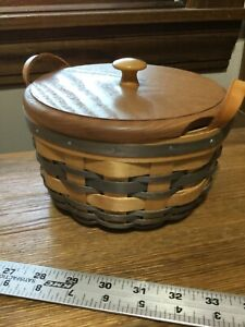 American Traditions woven handmade basket with lid $9.00
