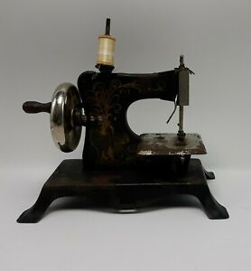 Antique Old Tin GERMAN TOY Kids SEWING MACHINE Vintage Little Red Riding Hood $24.99