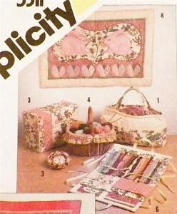 String Quilted Sewing Accessories Pattern Wall Hanging Embroidery Case Kit NOS $19.99