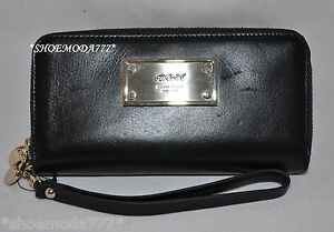$145 DKNY Luster Leather Classics Wallet Purse Organizer Wristlet Zip Around New