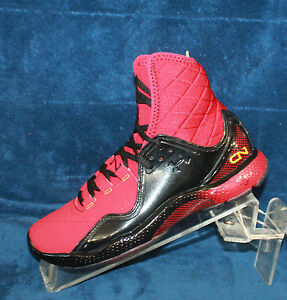 New Boys Youth Under Armour BGS CAM Size 4.0 - 1240904-600