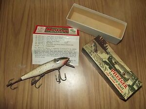 PFLUEGER MUSTANG 9503 Fishing lure in correct Box Silver Sparks Green Back