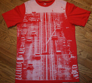 NIKE Slim Fit graphic print running T-Shirt red tee Men Large jogging sportswear