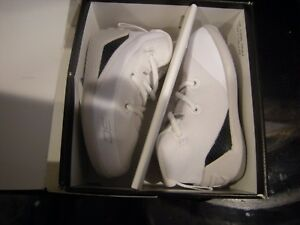 New Infant Boys White & Black Under Armour Curry 3 Crib Tennis Shoes Size 3