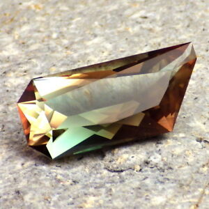 GREEN-PINK-ORANGE MULTICOLOR MYSTIQUE OREGON SUNSTONE 9.37Ct FLAWLESS-RARE COLOR