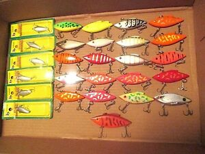 27 - RATTLE TRAP FISHING LURES - MOST ARE GREAT CONDITION - RARE COLORS