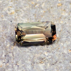 GREEN-TEAL-PEACH MULTICOLOR OREGON SUNSTONE 2.27Ct FLAWLESS-VERY RARE COLOR!!