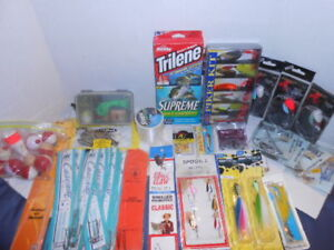 35 PIECE LOT FISHING JIGS RIGS HOOKS LINES LURES PIKER KIT NEW OLD STOCK