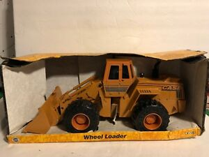 2000 Ertl Case Model Wheel Loader 116 Scale 625 NIB Toy Construction vehicle