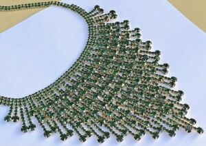 NWT NATASHA CRYSTAL RHINESTONE STATEMENT BIB NECKLACE GOLD GREEN