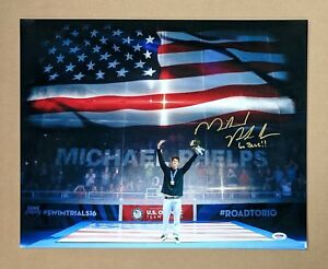 MICHAEL PHELPS FLAG UMICH GO BLUE INSCRIPTION SIGNED 20x16 GLOSSY PHOTO PSADNA