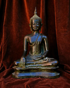 VERY LARGE ANTIQUE THAI BRONZE BUDDHA - Private collection south of France