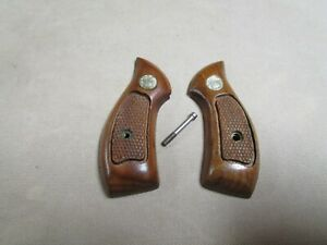 Smith & Wesson J-Frame Round Butt Grips   Nice Used Originals