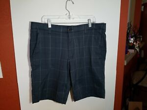 Under Armour Heat Gear Mens Golf Shorts Size 40 Gray Plaid Loose Fit Flat Front