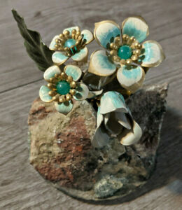 Frank Mosse Hand Crafted Enameled Flowers On Cactus Canyon Rock Sculpture $29.95