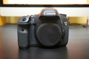 Canon 7D with 2 Lenses amp; Lots of Extras Set for Video Excellent condition