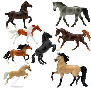 Breyer Deluxe 8 Horse Stablemates Wild at Heart Collection Toy Set 1:32 Scale $29.59