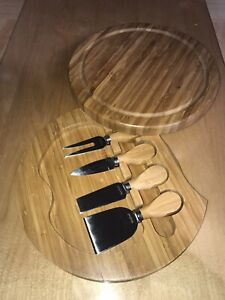 VonShef Wood Sliding Tray Cheese Serving Board with 4 Piece Utensils Knife Nice