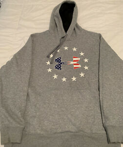 Under Armour Cold Gear American Flag Hoodie, Large Loose $9.00
