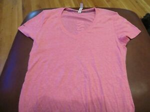 NWT Misses Pink Under Armour Shirt M $11.97