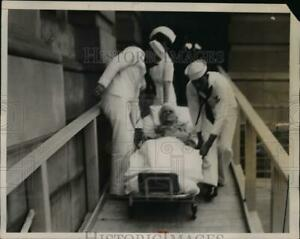 1933 Press Photo Sailors wheel WS Leake from the capitol after his testimony $13.99