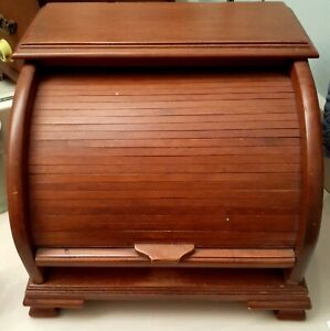 Vintage Wood Roll Top Box $25.00
