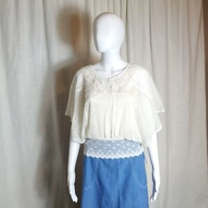 Free people Victorian style lace blouse $25.00