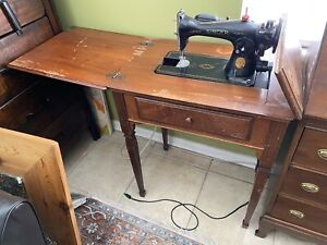 1948 Singer Sewing Machine Table Sewing Light Works and Knee Petal Works Too $200.00