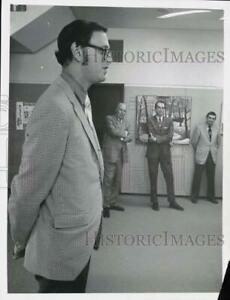 1971 Press Photo Melvin Urofsky and officials at Albany State University meeting $12.88