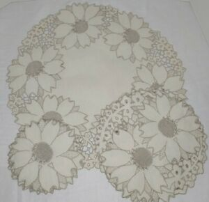 Vtg Madeira Embroidery Linen 13 pc. Cocktail napkin rounds Placemats Center #252 $120.00