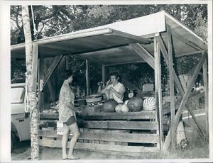 1968 Ladies at Vegetable Stand 1960s Smiths Lee County Alabama Press Photo