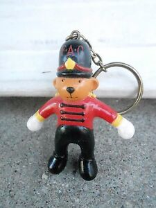 VINTAGE NOS KEYCHAIN S20C 71 FAO SCHWARZ BEAR SOLDIER advertising $9.99