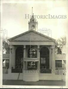 1933 Press Photo Reproduction of Federal Hall where George Washington sworn in.