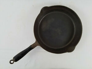 Griswold No. 8 Cast Iron Skillet 726