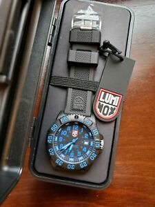 Luminox 3053 Navy SEAL PC Carbon case Colormark 44mm Wrist Watch BlackBlue